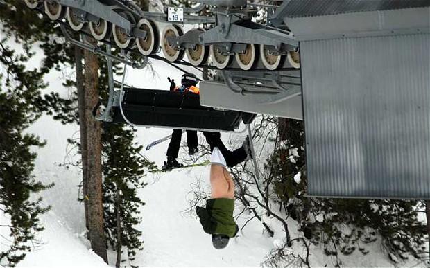 ski-hanging_2698228b