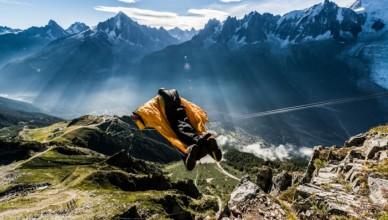 wingsuit-zak-tessier-chamonix-701x468