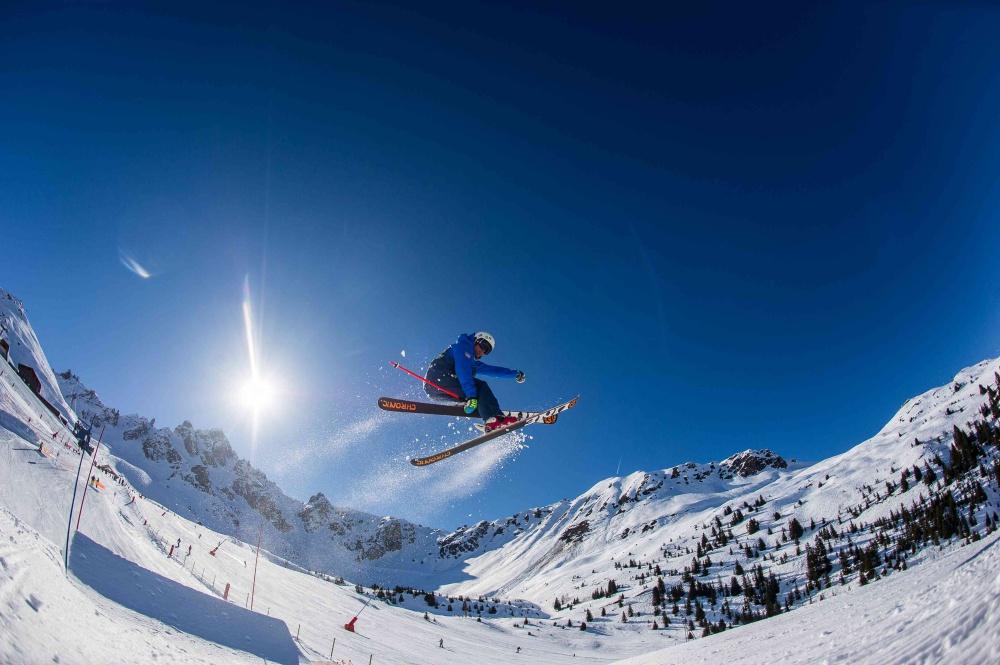19.03.16. New Generation Ski School. PIC © Andy Lloyd www.alpictures.eu